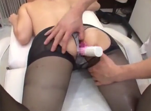 マッサージに来た黒パンストのOLが施術者とセックス無い修正動画