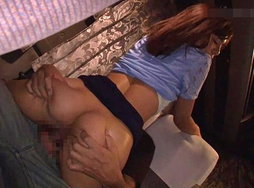 夜行バスでスローピストンの痺れる快感に理性を失う女子大生の裏ビデオ動画