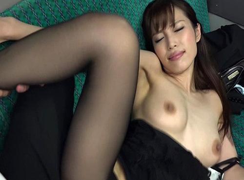 黒パンストの美女が通勤バスで濡れたマンコにチンポをズッボリ挿入女性が見たい a/ 複数無料adaruto映像